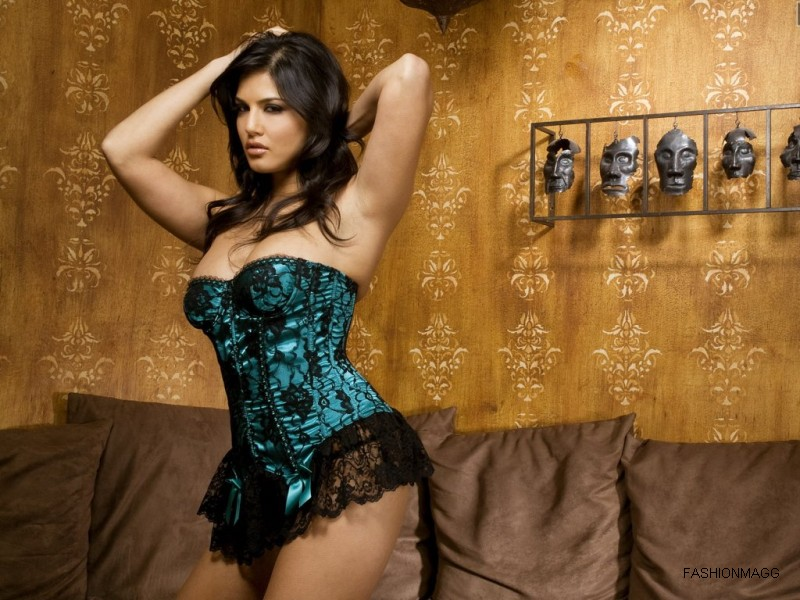 Sunny-Leone-hd-Hot-Wallpapers-Pictures-2012-1