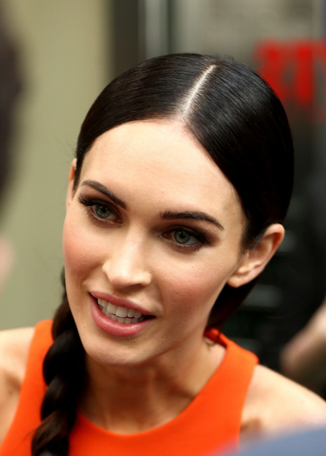 Megan-Fox-at-Teenage-Mutant-Ninja-Turtles-Photocall-in-Sydney-Pictures-5