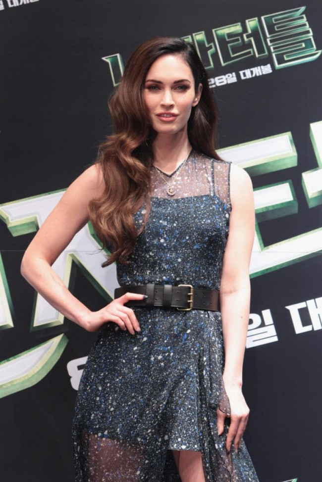 Megan-Fox-at-Teenage-Mutant-Ninja-Turtles-Photocall-in-Sydney-Pictures-9