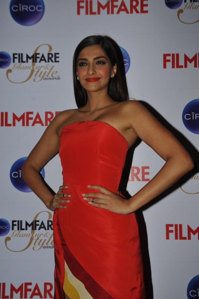 Sonam-Kapoor-at-Ciroc-Filmfare-Glamour-n-Style-Awards-Press-Conference-Pictures-Photos-9